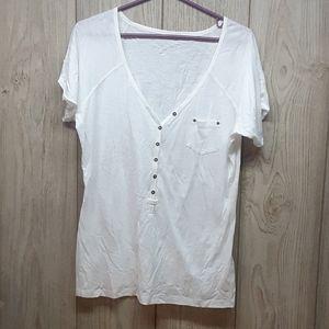 MAURICES White Tshirt